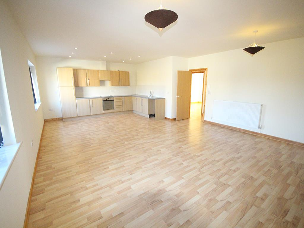 2 bedroom apartment For Sale in Colne - IMG_1359.jpg